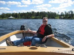 Bootje varen op het Sommenmeer, Zweden